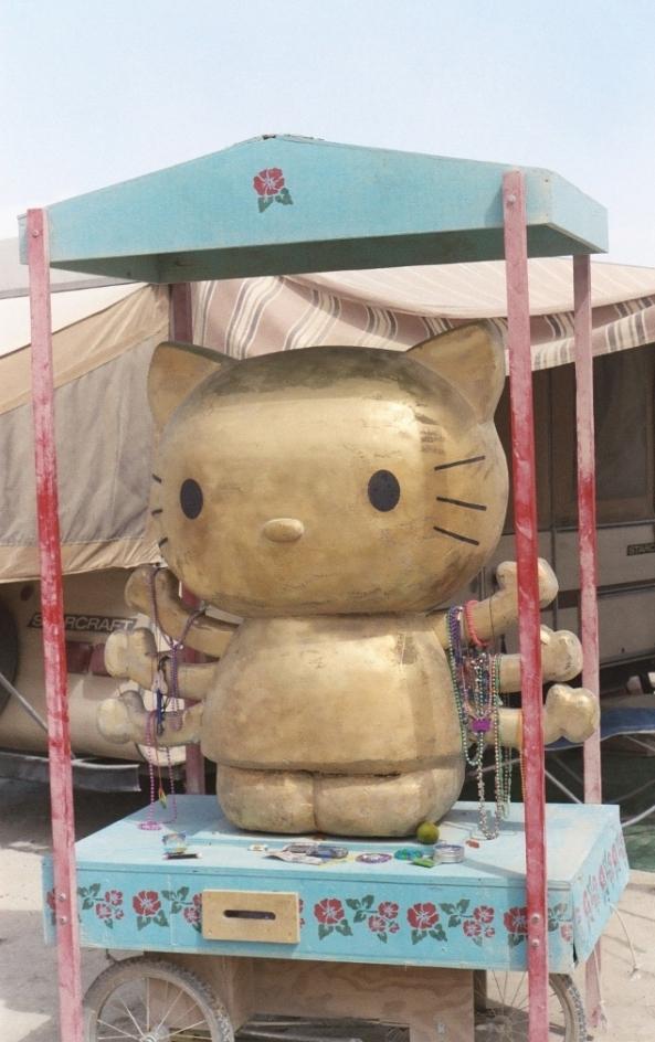 hello-kitty-satva-horizontal-2