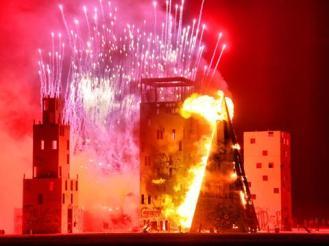 Megatropolis burning -- Photo: Chris 'Kiwi' Hankins
