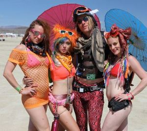 burning_man_girls_robert_scales