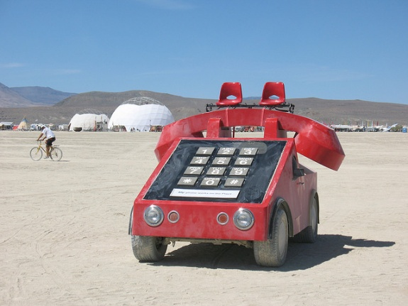telephone_burning_man_art_car